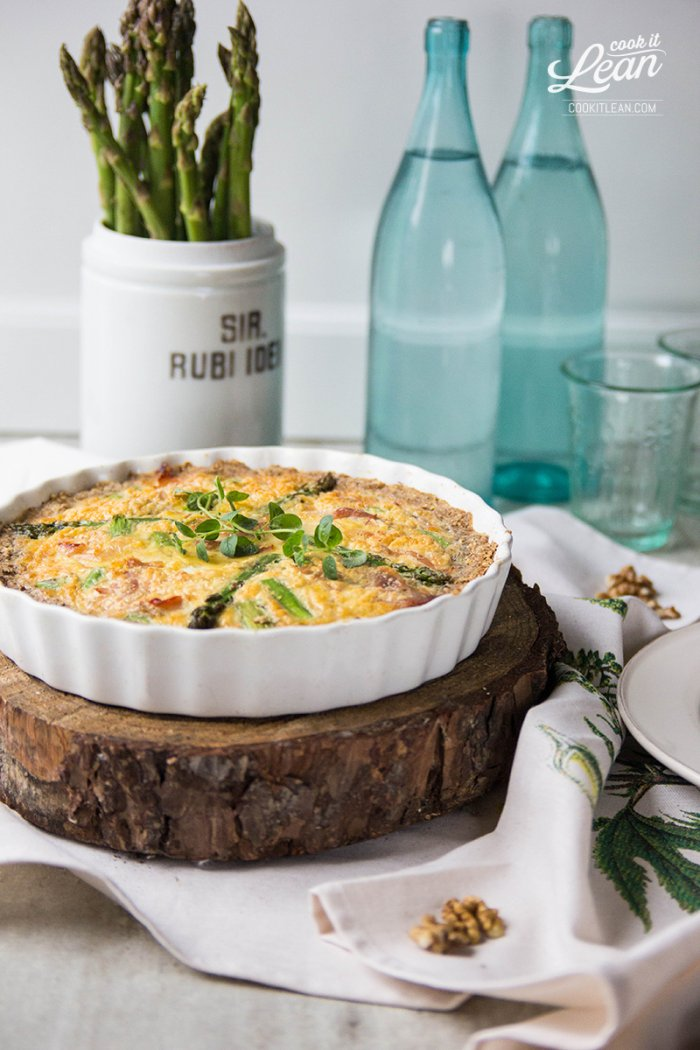 Paleo quiche with asparagus